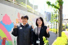 施工リーダ清水さんと平岡校長先生